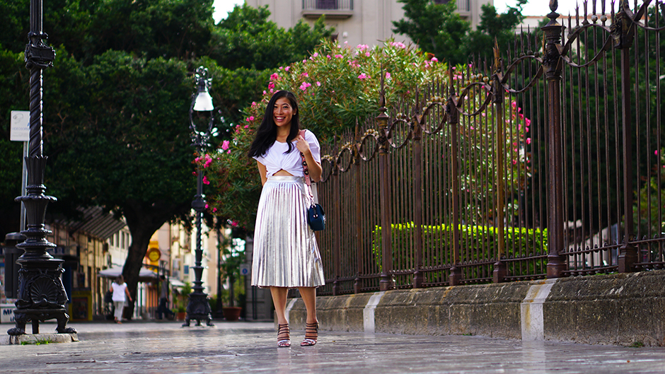 metallic-skirt-pleats