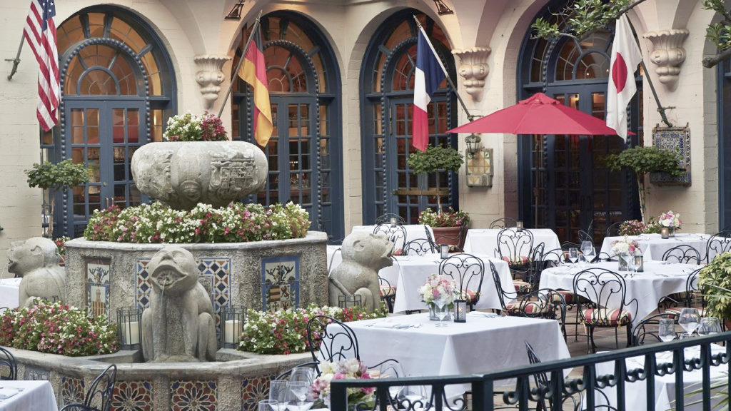 the-mission-inn-outdoor-seating