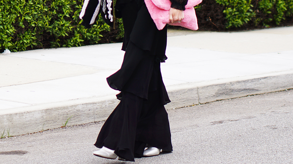 Fashion Blogger Ruffle Pants