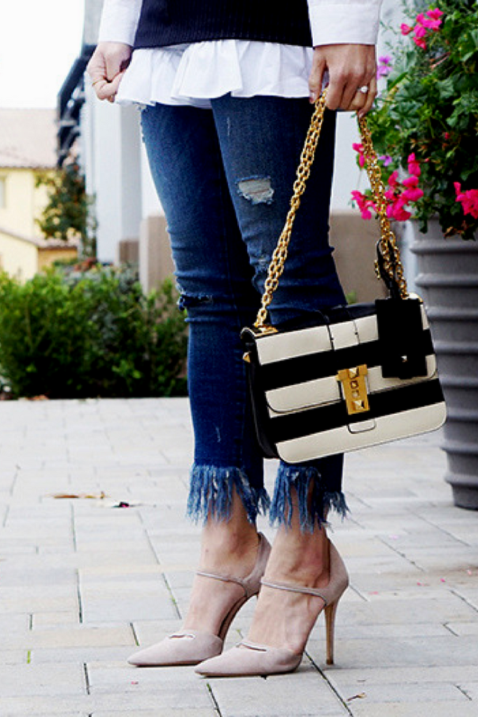 Frayed Denim and Statement Bag Valentino B Rockstud | Fashion Style Travel | mikialamode.com