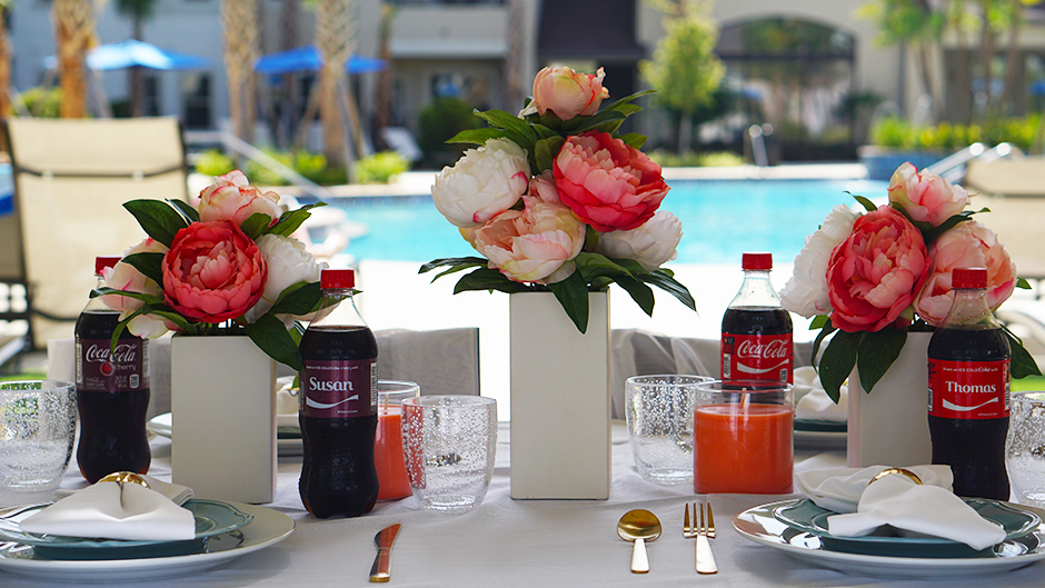 Glamorous Tablescape BBQ Pool Party #target #ad #cocacola #coke #shareanicecoldcoke #IceColdSummerMoments #shop #cbias