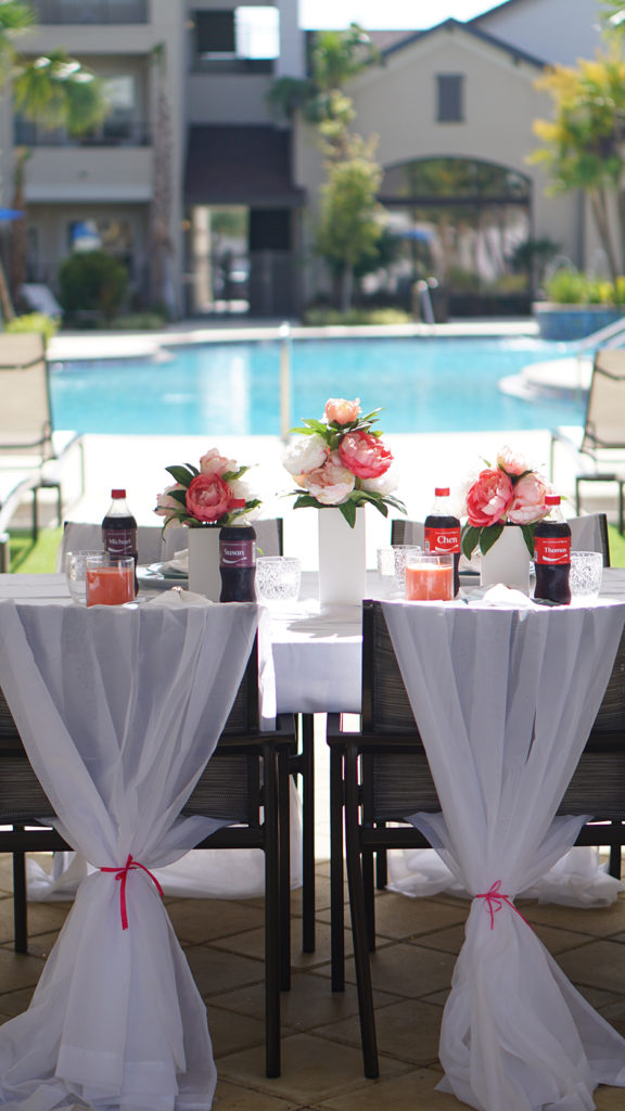 Glamorous BBQ Pool Party Tablescape #shop #ad #cbias #cocacola #coke #shareanicecoldcoke #IceColdSummerMoments