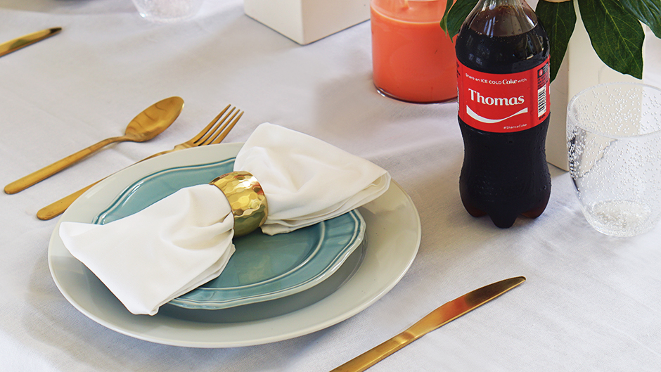 Glamorous BBQ Pool Party Tablescape #shop #ad #cbias #cocacola #IceColdSummerMoments #coke #shareanicecoldcoke