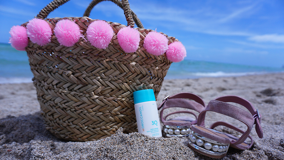 #miamibeach #northbeach #spf30 #wovenbag #basketbag #miami #moroccanoil #arganeveryday #ad #travelproducts #travel #beauty #travelbeauty #beautytravel #traveler #bodyoil #arganoil