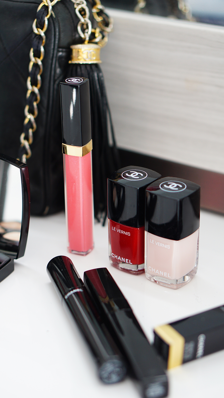 Chanel Beauty Le Vernis Nail Polish #ad