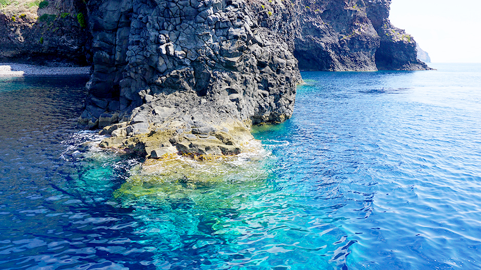 How to Make the Most of Visiting Aeolian Islands in Italy #stromboli #filicudi #alicudi #salina #lipari #aeolianisland #aeolianislands #cafes #italy #islandhopping #wanderlust #fashionblog #travelblog #travelblogger #traveler #italyvacations #visitingitaly #italyideas #placestovisit #italy #islandhopping #capri #grotto #europevacations