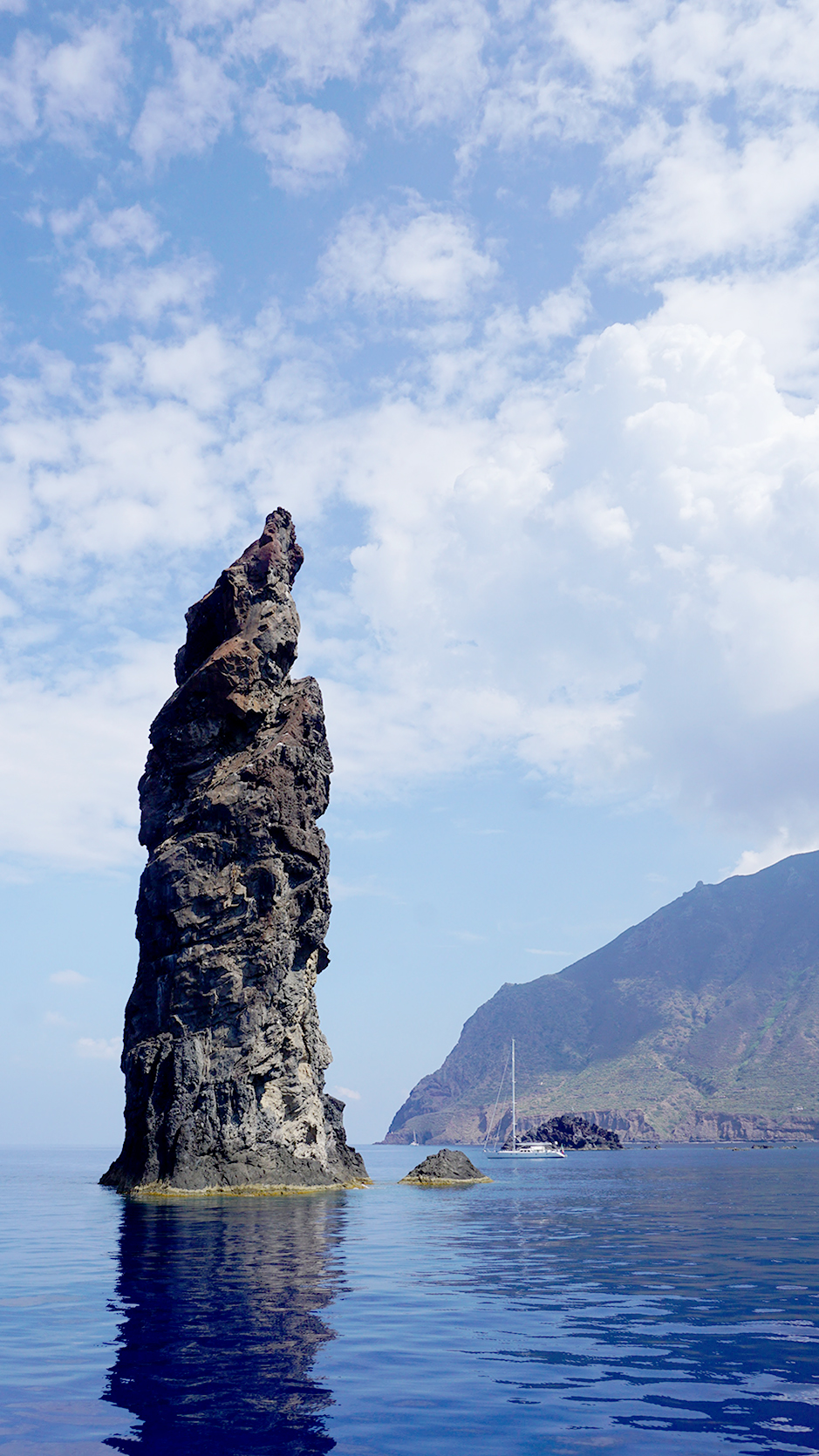 How to Make the Most of Visiting Aeolian Islands in Italy #stromboli #filicudi #alicudi #salina #lipari #aeolianisland #aeolianislands #cafes #italy #islandhopping #wanderlust #fashionblog #travelblog #travelblogger #traveler #italyvacations #visitingitaly #italyideas #placestovisit #italy #islandhopping #europevacations