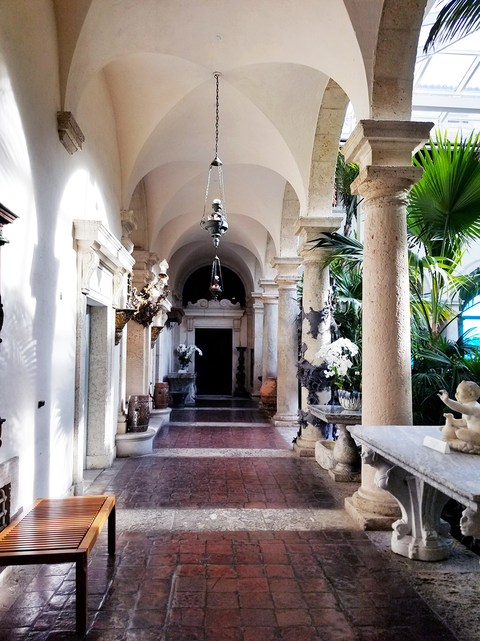 Viscaya Museum and Garden Miami #southflorida #miami #southbeach #beautifulgarden #decorgoals #decorideas #streetstyle #fashioninspiration #fashionblog #traveller #travelblog #styleblog #blogger #miami #southflorida #bestdresses #itanianarchitecture #frencharchitecture #italyinpired #outfit #outfitinspiration #maxidress #backlessdress