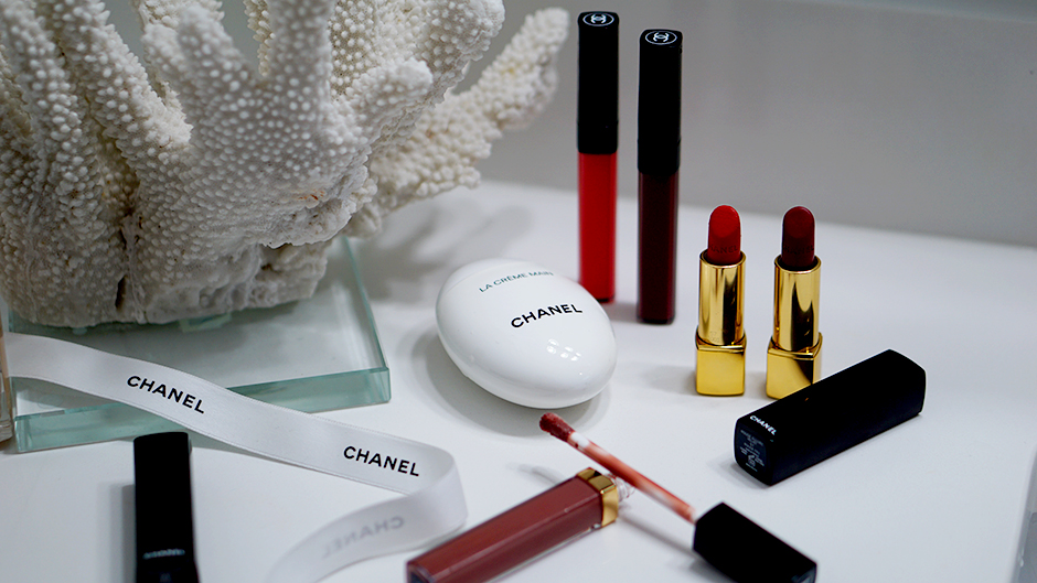 CHANEL Luxury Beauty Products #ad #beautyproducts #truered #chanelbeauty #chanelpartner #redlipstick #mattelipstick #fashioninspiration #valentinesday #valentinesbeauty #beautyinspo