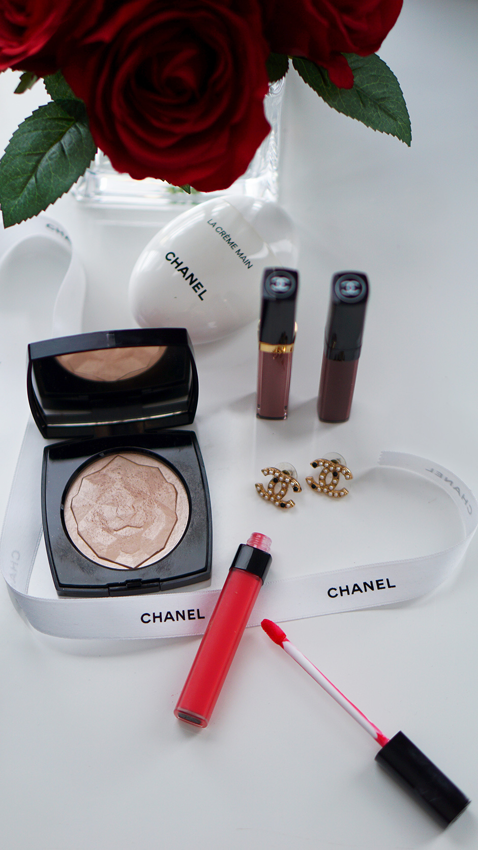 CHANEL Beauty Products Highlighter, Rouge Coco Lip Blush, Hydrating Lip and Cheek Sheer Colour in Teasing Pink and Burning Berry #ad #beautyproducts #truered #chanelbeauty #chanelpartner #redlipstick #mattelipstick #fashioninspiration #valentinesday #valentinesbeauty #beautyinspo #beautydisplay #handcream #luxurybeauty