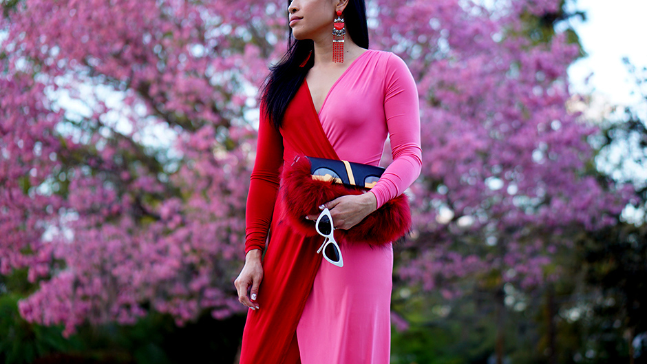 Color Blocking Pink Red Dress #outfit #outfitidea #outfitinspiration #reddress #pinkdress #outfitinspiration #styleinspiration #streetstyleidea #streetstyles #springoutfit #summeroutfit #asos #fashiontrend #trends #fauxfur #furclutch #thighboots #redboots