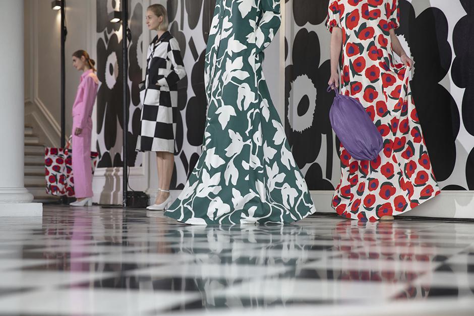 Marimekko SS19 Spring Summer Fashion Presentation Paris Fashion Week #pfw #pfwss19 #ss19 #parisfashionweek #marimekko #topblog #topfashionblog #fashionshow #runwaypresentation #fashion #fashionblogger #bestfashionblog #topblog #topfashionblog #styleblog #parisfashion #parisian #springfashion #summerfashion #outfitideas