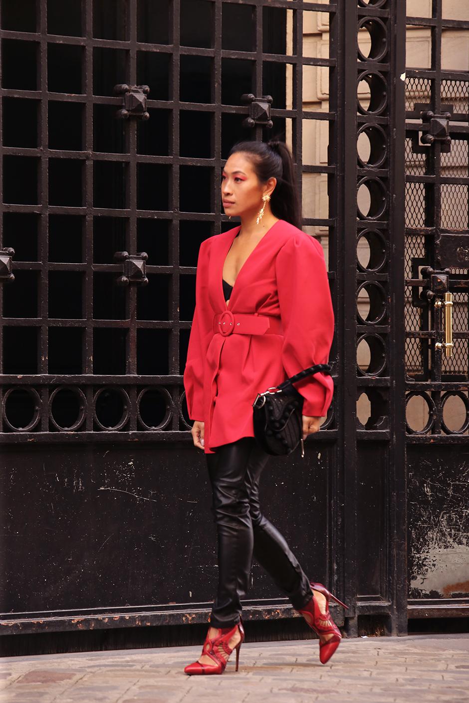 Paris Fashion Week Street Style Fall 2018 #Street #Fashion #Blog #Blogger #pfw #pfw2018 #ss18 #fw18 #parisfashionweek dior #diorbag #diorsaddle #metallo #metallicdress #silverdress #statementheels #Paris #France #fashionblog #styleblog #streetstyle #bestoutfit #falloutfit #beststyle #stylishoutfit #fallfashion #fallstyle #outfitinspo #outfitinspiration #outfitideas #leoparddress #versace #gianniversace #vintageversace #leopard #animalprint #fallfashion #kneeboots #beret #manoloblahnik #vintagefendi #fendibaguette #fendi #fendibag #revolve #revolvearoundtheworld