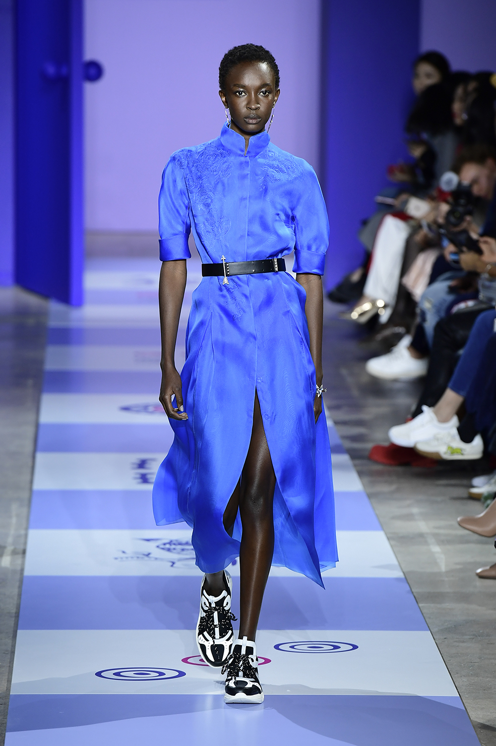 Shiatzy Chen Paris Fashion Week Spring Summer 2019 Runway Collection #SS19 #pfw #parisfashionweek #paris #parisianstyle #asiandesigner #80sstyle #fashionblogger #fashionblog #streetfashion #spring2019 #summer2019 #runway #runwaycollectiohn #shiatzychen #fashion #trends